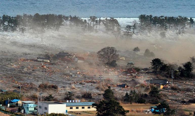 tsunami-japonia