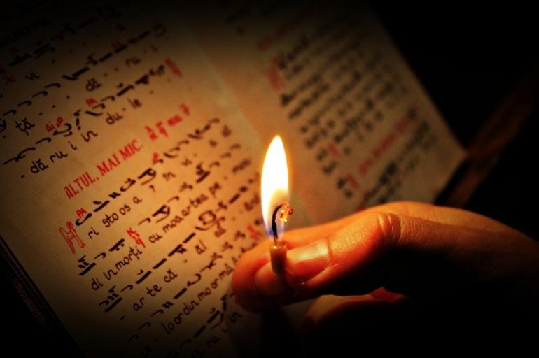 citind-rugaciunea-la-lumanare
